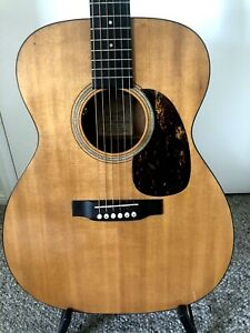 Stunning Martin M16GT (000016GT) acoustic with pick up and orig Martin case QLD