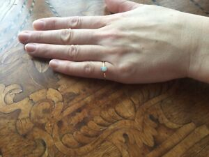 Lovely Antique Edwardian Natural Opal 18k Gold Ring