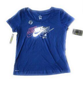 Nike Womans Size MEDIUM Silver Graphic Drifit Cotton Shirt CK0447-438