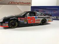 Kevin Harvick Action 1:24 Diecast #29 GM Goodwrench Now Sell Tires On A Roll Car