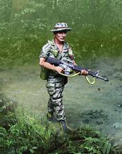 COLLECTORS SHOWCASE VIETNAM WAR CS01044 GREEN BERET LRRP ADVANCING MIB