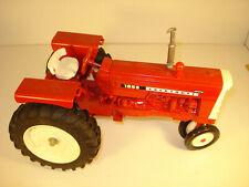 (1995) Cockshutt Model 1655 Toy Tractor 1/16 Scale, NEAR MINT