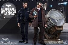 BATMAN John Blake and Jim Gordon with Bat-Signal Collectible Deluxe Set Hot Toys