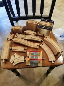 Thomas The Train Railroad Acc. -  Learning Curve, Tomy Etc. Wooden NICE!