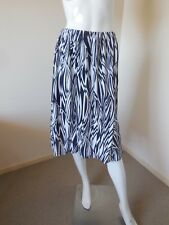 NONI B    SKIRT SIZE 10  ELASTIC WAIST  BLACK AND WHITE   LOW PRICES ALWAYS