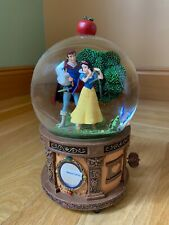 """Disney Snow White Big musical Snow Globe """"Some Day My Prince Will Come"""" in BOX"""