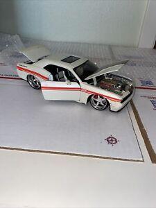 Maisto Pro Rods 1/24 2008 Dodge Challenger Rare