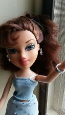 Vtg 2001 MGA  Bratz Girlz doll Dana with clothing, shoes & jewelry  HTF VGUC