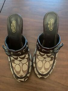 COACH SHOES ~ Ladies Brown Signature Coach Jodey Clog, Size 7.5, Pre-owned.