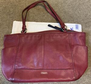 Coach Vintage Leather Shoulder Bag In Burgundy Red Excellent Condition