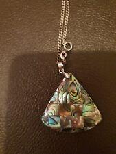 Estilo Retro Collar Colgante de diseño de triángulo redondeado