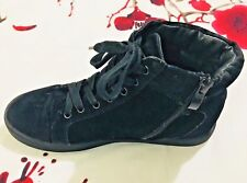 Moda in Pelle Suede Hi Top Sneaker Ankle Trim & Side Zip Up Black Size UK 5 EU38
