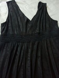 Dress Size 20  ROSANNA 20 Black With Red Flex / Shimmer   (# 177)