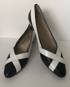 Vintage Salvatore Ferragamo Women's Shoes Italian Size 8AA White & Blue