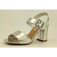 Sandalias y chanclas de mujer Steve Madden color principal plata sintético