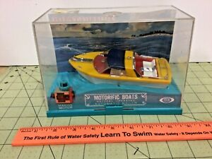 """Vintage Ideal battery powered """"Whirl-A-Way"""" Runabout Motorific boat!"""