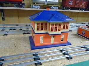 LIONEL TRAINS #437 STANDARD GUAGE SWITCH SIGNAL TOWER BUILDING BLUE AND ORANGE