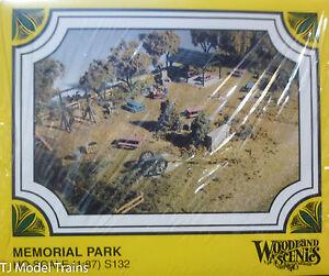 Woodland Scenics HO #132  -  Memorial Park (Kit form)