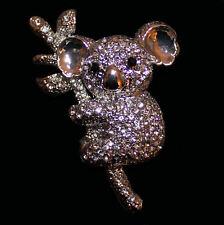 Entzückende Brosche Koala Bär, silberfarbenes Metall, weiße Kristalle