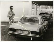 Orig Foto 1973 Julio Iglesias mit seinem Mercedes 450 SL W 107  photo