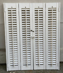 "30.5"" T x 24.5"" W VTG Colonial Wood Interior Louver Plantation Window Shutters"