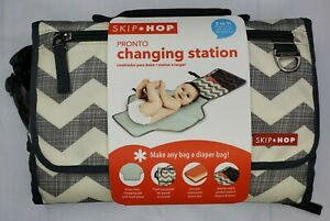 New Skip Hop Pronto 2 in 1 Baby Changing Station & Diaper Clutch Chevron Design