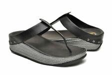 $125 New FIT FLOP Sz 9 IBIZA Black Leather Toe Post Sandal W/ Microwobbleboard