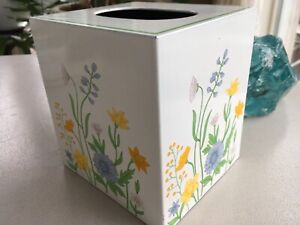 VINTAGE ANDRE RICHARD FLORAL TISSUE BOX COVER-HARD PLASTIC-MCM-STICKER