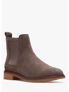 BNIB Clarks Ladies Clarkdale Arlo Taupe Suede Chelsea Boots