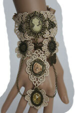 Women Protrait Antique Gold Hand Chain Bracelet Beige Lace Flower Ring Butterfly