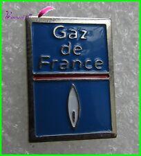 Pin's Le Logo de GAZ DE FRANCE avec la flamme blanche et bleue #H5