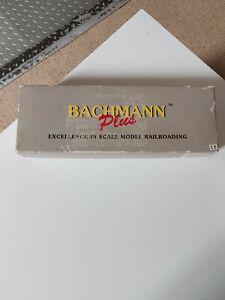 HO Bachmann Pennsylvania GP35 Locomotive #2262 , in Box - Sold spare or repair
