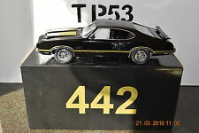 ACME LANE 1:18  1970 OLDSMOBILE 442 BLACK WITH GOLD STRIPES - 350 PIECES MADE!!