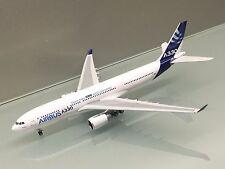 Phoenix 1/400 Airbus A330-200 F-WWCB House Colour die cast metal model