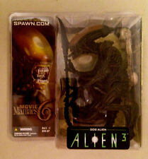 2003 MCFARLANE TOYS MOVIE MANIACS SERIES 6 ALIEN 3 DOG ALIEN ACTION FIGURE SET