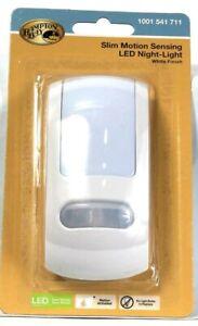 1 Ct Hampton Bay Slim Motion Sensing LED Night Light White Finish 1001541711