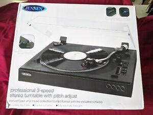 JENSEN JTA-470 Professional 3-Speed Stereo Turntable with Speed Adjustment