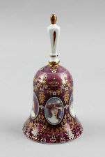 Petite Porcelaine - Cloche Portraits de femmes rose et Décoration dorée a6-87088