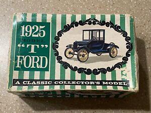 VINTAGE AMT 1925 MODEL T FORD MODEL KIT