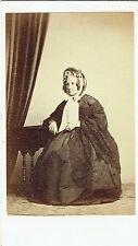 Photo cdv : Pottier ; Vieille dame de la Bourgeoisie à Saint Malo , vers 1865