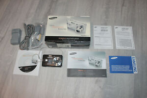 Samsung Digimax L60 6.0 MP Digital Camera - Silver - Complete with Box