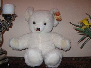Hermann Germany White Woolen Robijn Bear w Tag 17 inch
