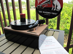 Beautifully restored RCA 45-J-2 45rpm record player-looks fabulous, plays great!