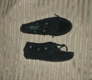 Women's Minnetonka Fringed Black Moccasins 5.5 Leather Suede Hard Sole EUC Shoes