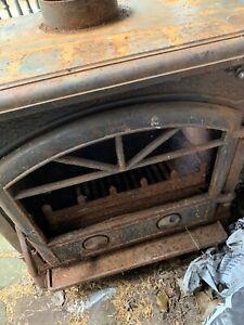 Titan 8,5 kw Cast Iron Multi Fuel Stove With Wrap Around Boiler
