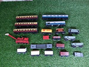 Hornby Duplo / Triang Carriages Wagons Job Lot Bundle ~ 00 Gauge
