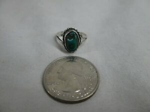 SMALL VINTAGE NAVAJO STERLING SILVER & TURQUOISE RING SIZE 4 3/4