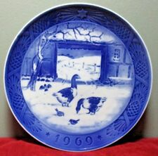 "Royal Copenhagen 1969 Christmas Collector Plate ~ ""In The Old Farmyard"""