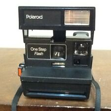 VINTAGE POLAROID INSTANT FLASH CAMERA WITH STRAP UNTESTED
