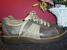 DR. MARTENS ENGLAND pewter color leather oxfords rubber soles 6M excellent cond.